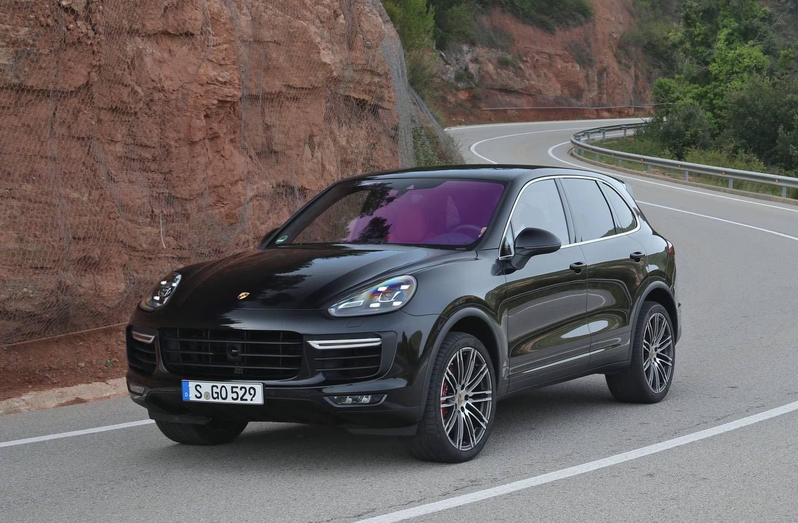Топ-5 самых востребованных в РФ авто по цене свыше 5 млн рублей