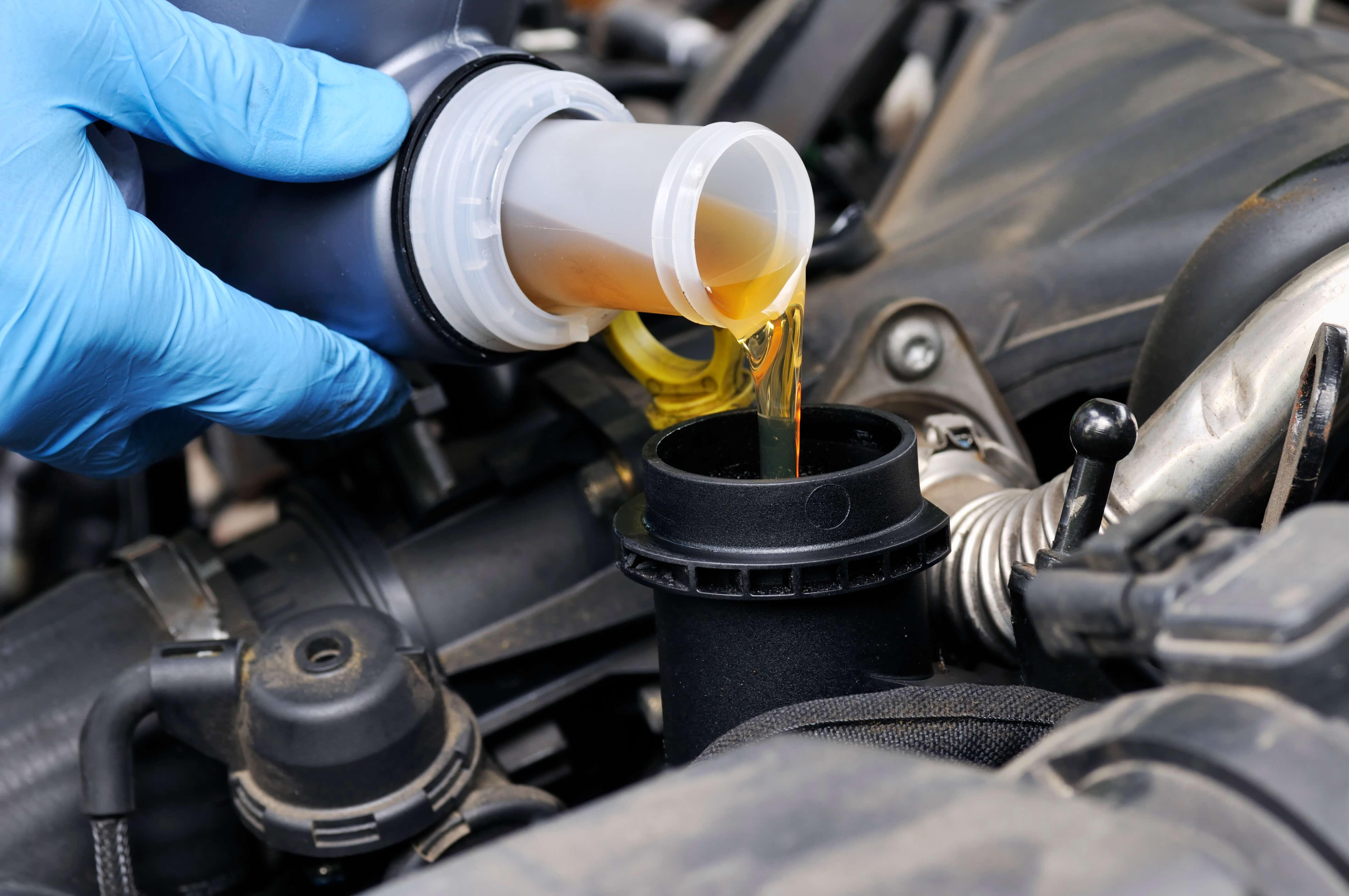 Почему так важно своевременно заменять масло в двигателе?